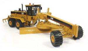 Miniature construction world caterpillar models gallery for Cat 24h motor grader
