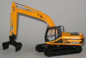 JCB JS220 with sorting grab