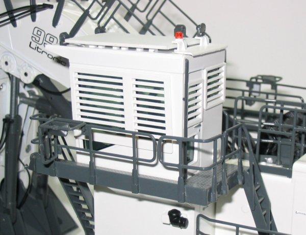 Miniature Construction World Liebherr R994b Tracked Face