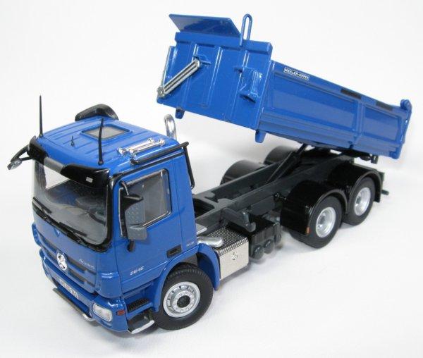 Miniature Construction World Mercedes Actros 3 Axle Dump