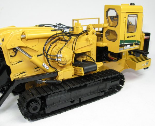 Discontinued Vermeer T1255 Commander Tracked Leveler 1//50th TWH Collectibles