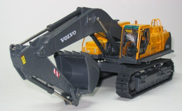 Miniature Construction World Volvo Ec700 Tracked Excavator